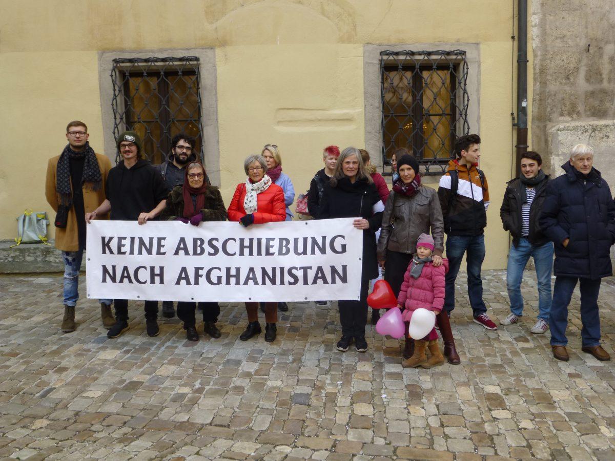 Mahnwache am Alten Rathaus